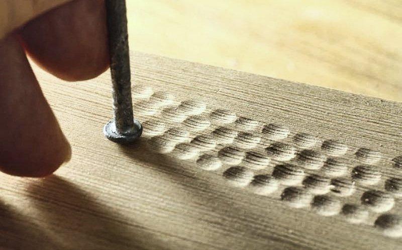 12 способов нанести текстуру на древесину подручными инструметами