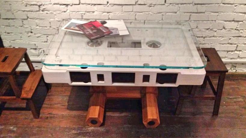 Крутой стол «Кассета» - когда любишь музыку и красивые вещи