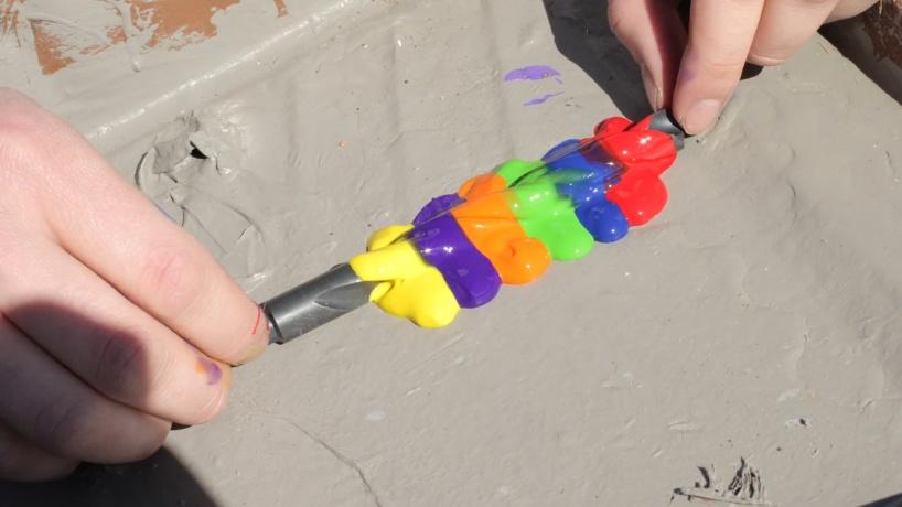Что будет если окунуть сверло в краску и раскрутить