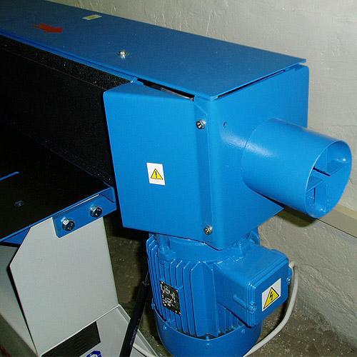 Ленточный кромкошлифовальный станок HB 800. Патрубок аспирации.