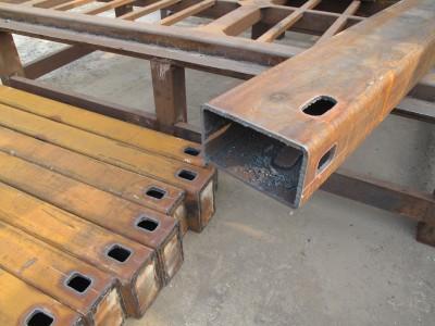 Массивный стальной портал