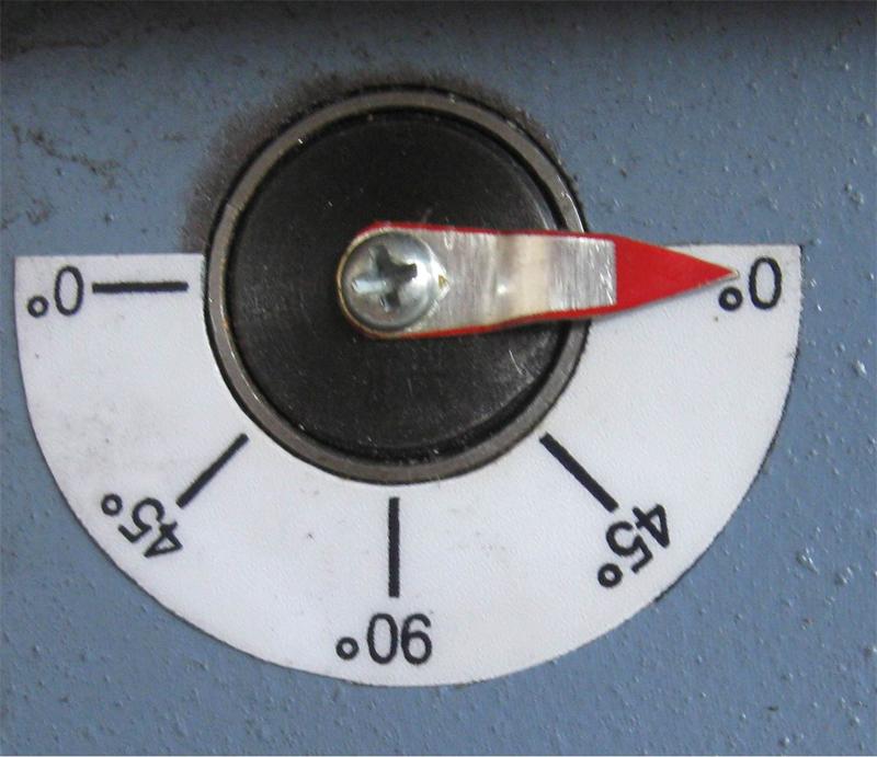 Возможность сверления под углом 0°, 45° и 90° с использованием соответствующего стопора