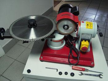 Общий вид станка для заточки дисковых пил с твердосплавными пластинами
