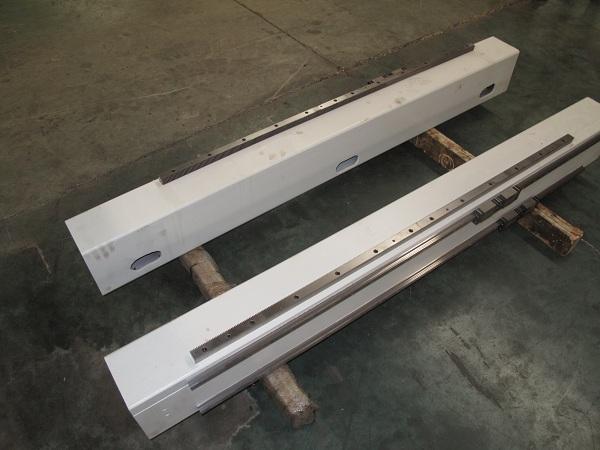 Массивный стальной портал фрезерного станка с ЧПУ beaver 2513AVT6