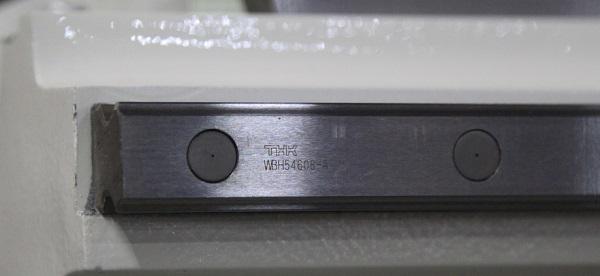 Линейные направляющие фрезерного станка с ЧПУ Beaver 2513AVT6