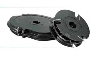 Комплект фрез, с механическим креплением пластин, для изготовления обвязки шипа дверей