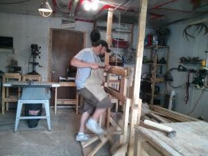 Сборка деревянного токарного станка — его использовали Викинги!