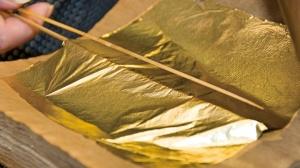 Японская техника изготовления тончайшей золотой фольги
