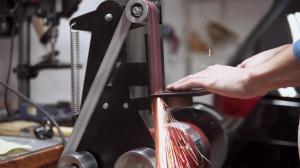 Как сделать из настольной шлифовальной машины ленточно шлифовальный станок? [чертежи прилагаются]