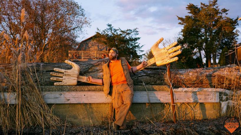 Создание гигантских подвижных рук вырезанных из дерева!