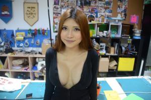 Наоми Ву также известная как Sexy Cyborg — мастер по DIY проектам и видеоблогер из Китая
