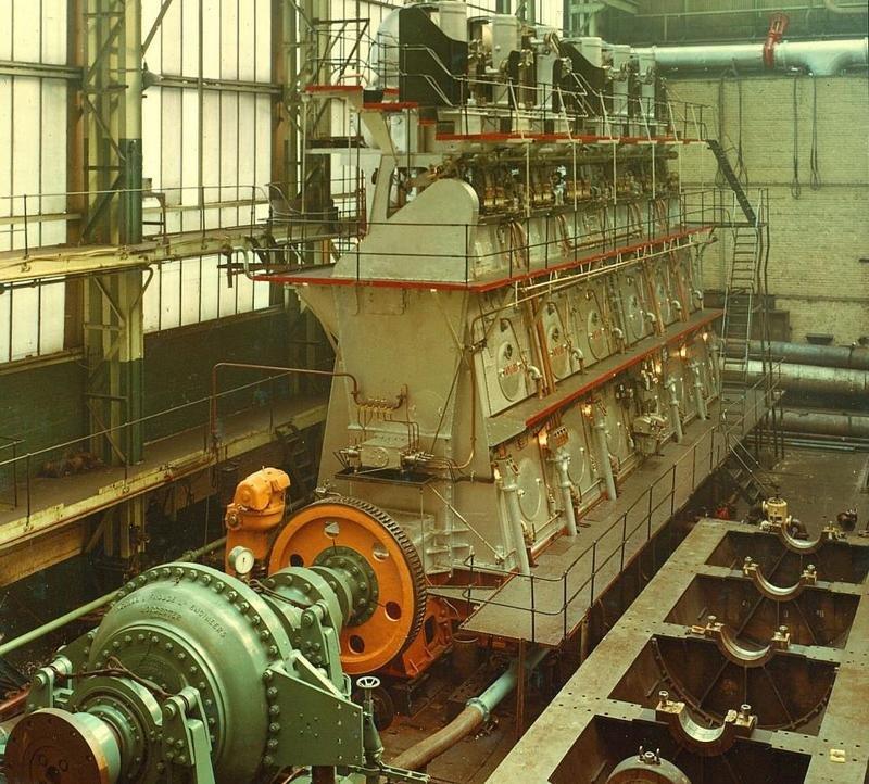 Судовые дизельные двигатели фото
