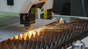 Эффект тепловой линзы и способы его решения для 3 основных областей применения лазеров