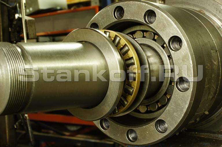 Устройство корпуса подшипников гранулятора. Упорный роликовый подшипник - нагрузка до 23 тонн.