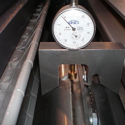 Фуговальный станок R, устройство выставления ножей.