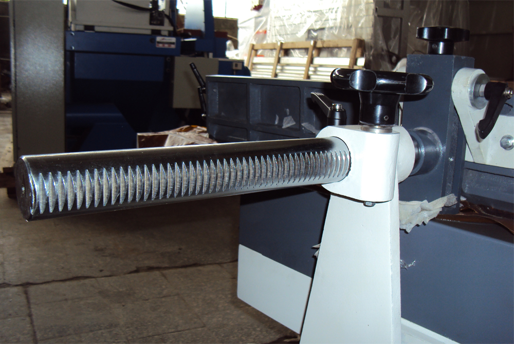 фуговальный станок мод. sf-400, sf-600, линейка перемещается по массивной направляющей