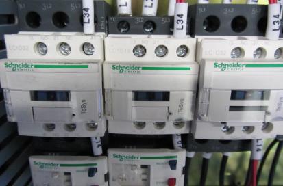 Электрокомпоненты стойки «SCHNEIDER»
