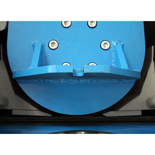 Калибровально-шлифовальный станок Buldog MAXX, прижимы для коротких заготовок.