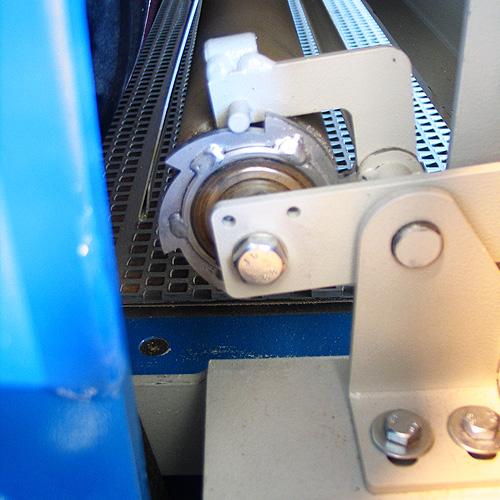 Калибровально-шлифовальный станок Buldog MAXX, прижимной валец.