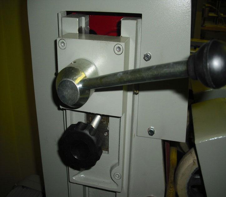 Круглошлифовальный одноленточный станок FS- 80B, регулировка ленты