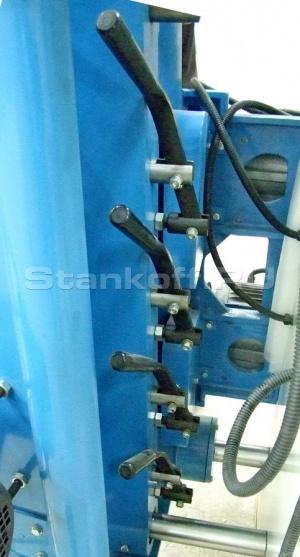 Механические (пружинные) зажимные центры
