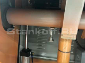 Стопор пильного вала для замены пильных дисков
