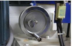 Станок шипорезный односторонний с узлом клеенанесения Beaver-16/AP, точная настройка фрезерного шпинделя