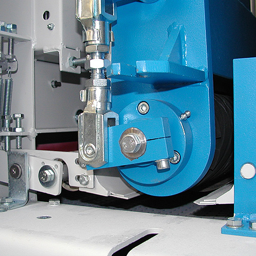 Шлифовальный станок BULDOG 5, прижимы для коротких заготовок