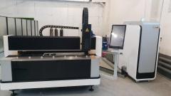 Станок оптоволоконной лазерной резки с автофокусом LF3015LN/1000 Raycus