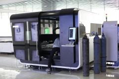Волоконный лазер по металлу с кабиной LF3015GA/2000 Raycus