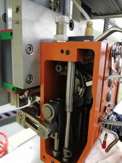 Промышленная одноигольная стёгальная машина VELLES VFJ-2628TC