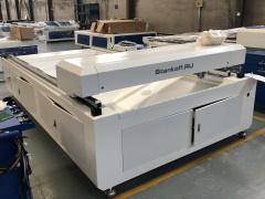 Лазерный станок для резки металлов и неметаллов с ЧПУ LM HYBRID SERVO 1325/220 Вт