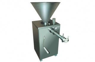 Шприц для набивки колбас вакуумный с перекрутчиком и дозатором ШВМ-1НП Д