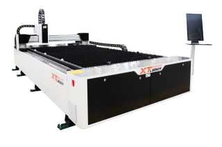 Оптоволоконный лазерный резак по металлу XTC-1530S/1500 IPG Не поставляется