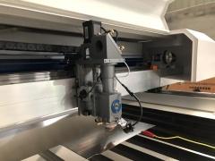 Лазерно-гравировальный станок для резки металлов и неметаллов с ЧПУ LM HYBRID 1325/150 Вт