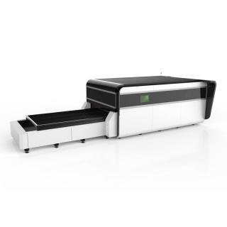 Волоконный лазер по металлу с кабиной CoverCut GA3015/2200 Raycus