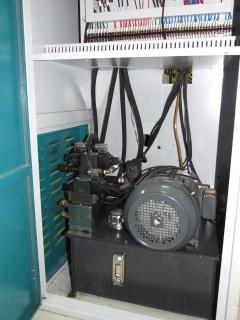 Гидравлическая гильотина для шпона MDQ260