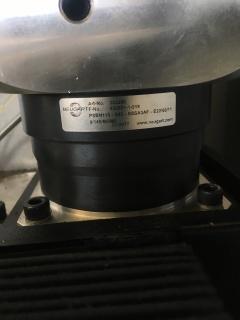 Оптоволоконный лазерный станок со сменным столом для резки металла LF3015GC/3000 IPG