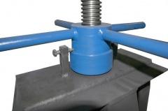 Самоподъемный самоцентрирующийся размотчик рулонов металла СРМ-8