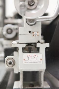 Станок настольный токарный D180x300C
