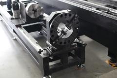 Оптоволоконный лазер для резки листов и труб со сменным столом LF3015GCR/2000 Raycus