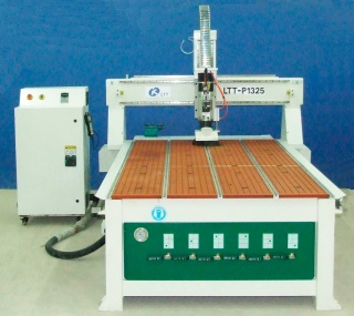 Фрезерный станок с ЧПУ и полуавтоматической сменой инструмента LTT-P1325S (SD)