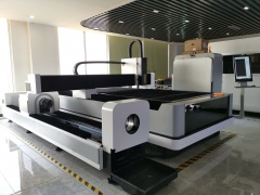 Оптоволоконный лазер с труборезным механизмом LF3015CNR/4000 IPG