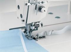 Прямострочная промышленная швейная машина с ножом обрезки края материала JUKI DLM-5200ND