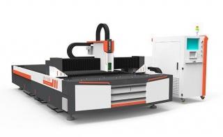 Оптоволоконный лазерный станок для резки металла XTC-F1325/500 Raycus
