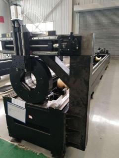 Оптоволоконный лазерный труборез для резки металлических труб LF60M/3000 Raycus