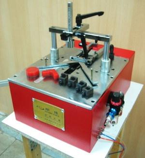 Пневматический станок для скрепления багета SL L203K