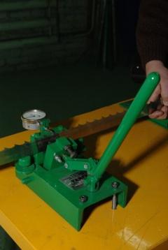 Станки для разводки ленточных пил Тайга