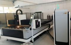 Оптоволоконный лазерный резак по металлу LF3015LN/2000 IPG