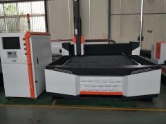 Оптоволоконный лазерный резак по металлу XTC-F1530S/750 Raycus